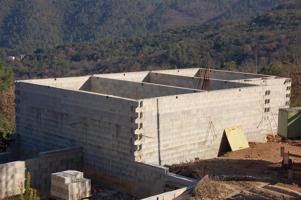 Mas Cévennes Rénovation - Bassin 170m3 en béton banché