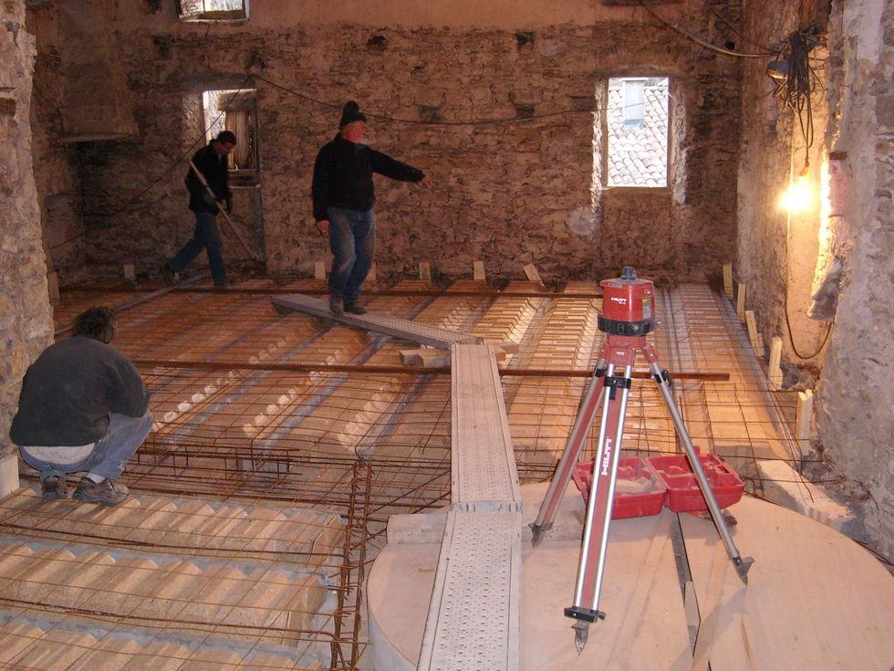 Mas Cévennes Rénovation - Préparation d'un plancher poutrelles hourdis