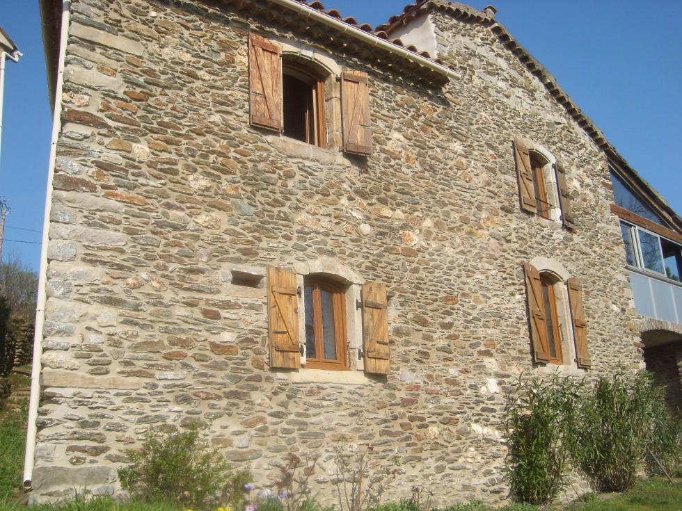 Mas Cévennes Rénovation - Rejointoiement facade en schiste