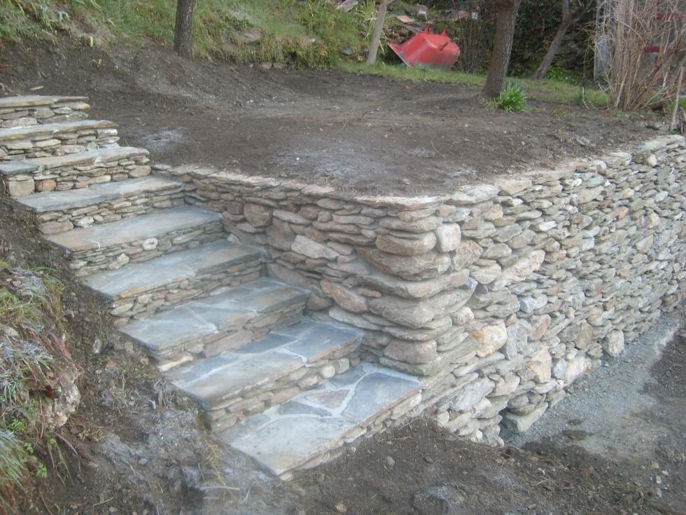 Mas Cévennes Rénovation - Réalisation d'un mur et escalier